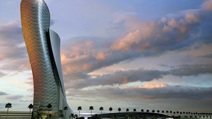 Capital Gate, una de las 12 maravillas arquitectónicas