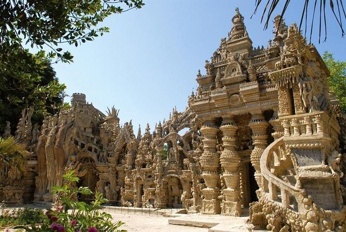 Palace Ideal de Ferdinand Cheval, una de las maravillas arquitectónicas