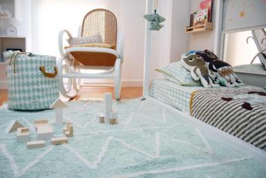 Método Montessori en una habitación infantil