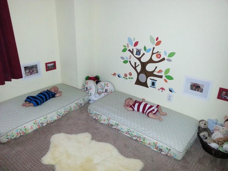 C mo integrar el m todo montessori en una habitaci n infantil for Cuartos para ninas montessori